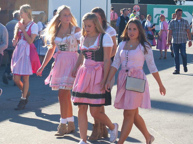 Oktoberfest - DSCF8715.jpg