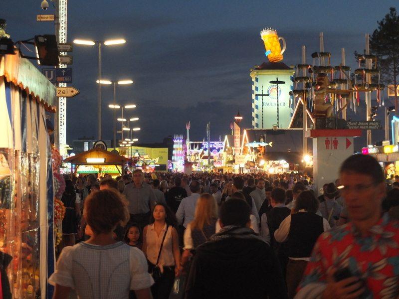 Oktoberfest - DSCF8862.jpg
